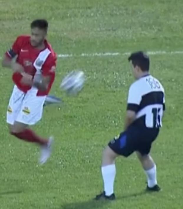Neymar does tornado twist
