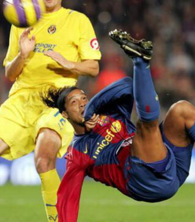 Ronaldinho Bicycle Kick The 5 All Time ...
