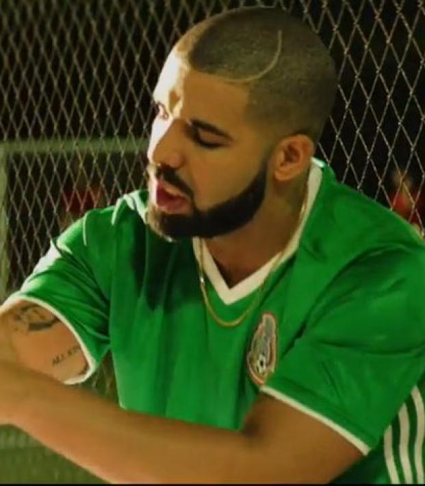 60b233d0d4307 Drake And Future Are All-In For El Tri