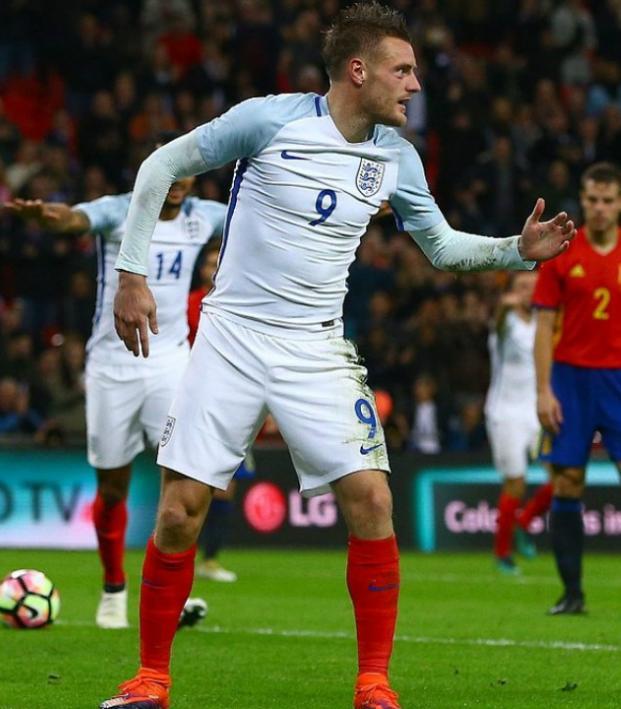 England's Mannequin Challenge
