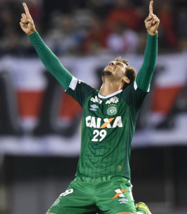 Chapecoense defender Neto could play again.