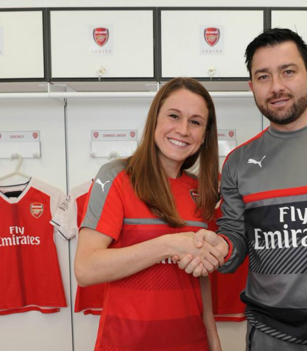 Heather O'Reilly with Arsenal Ladies coach Pedro Martinez Losa.
