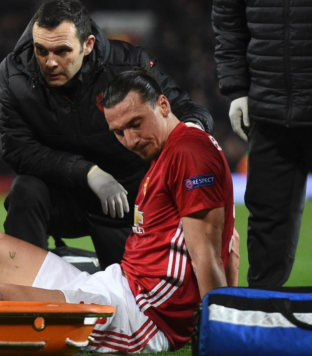 Zlatan Ibrahimovic knee injury