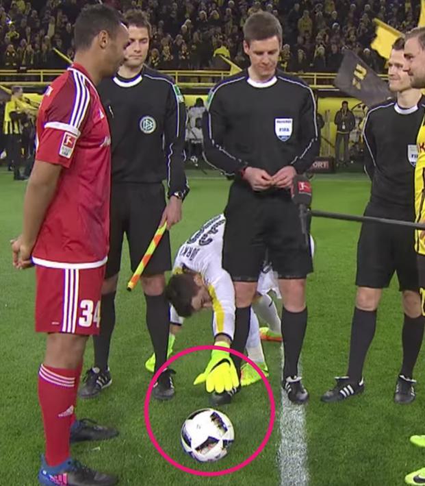 Roman Burki's Pre-Match Ritual