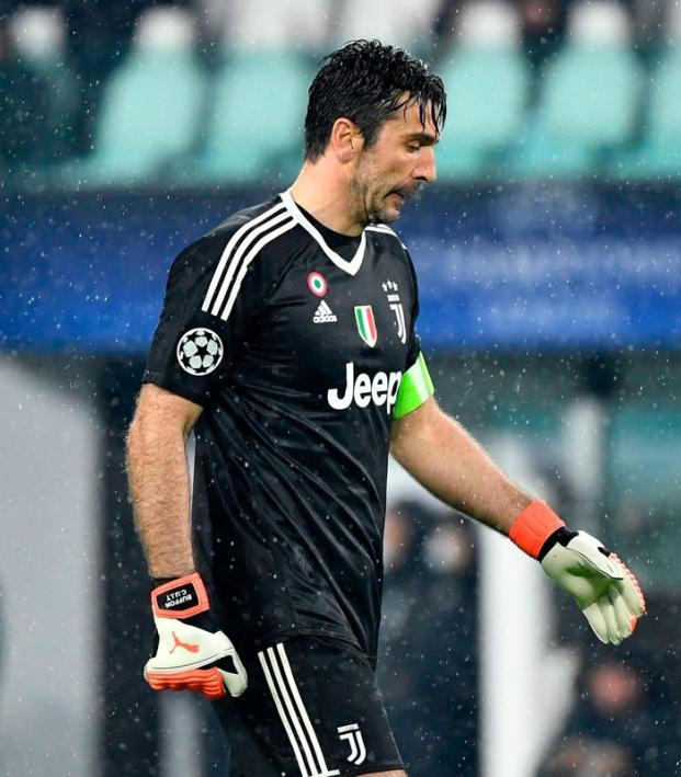 Gianluigi Buffon red card vs Real Madrid