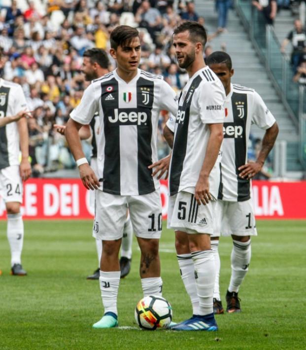 Who Takes The Free Kicks At Juventus?