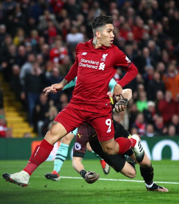 Bobby Firmino No-Look Goal