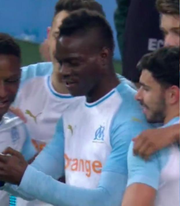 Mario Balotelli selfie celebration