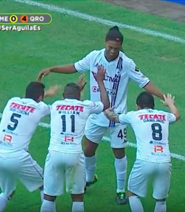 Ronaldinho vs America