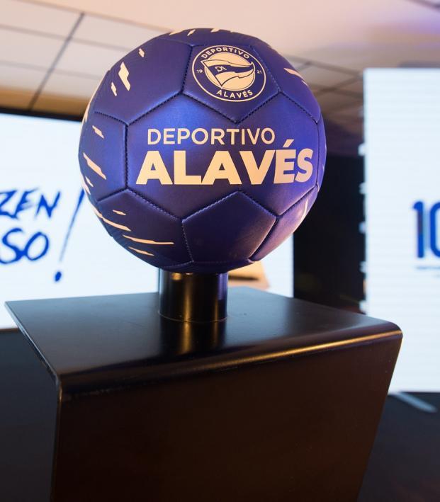 Deportivo Alavés Logo