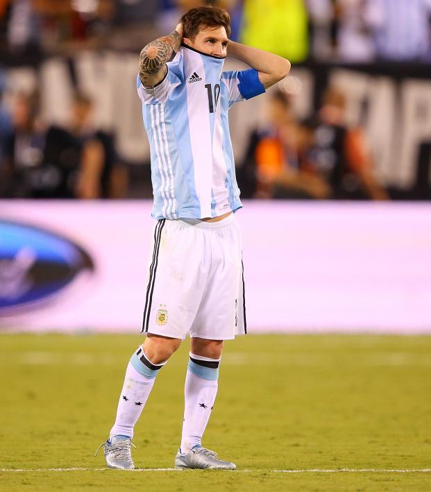 Messi Overreacting