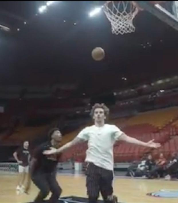 super popular d1ce0 f5845 Antoine Griezmann Basketball Highlights From A New Video ...