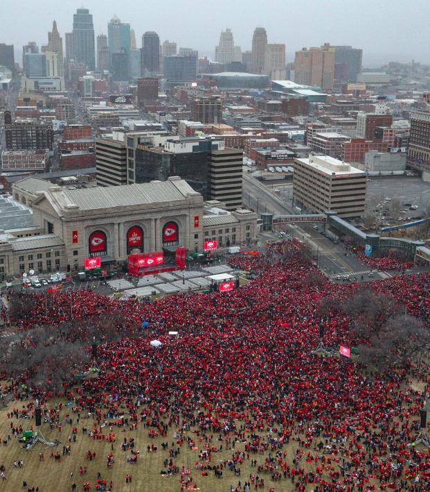 Super Bowl Vs Champions League Parade