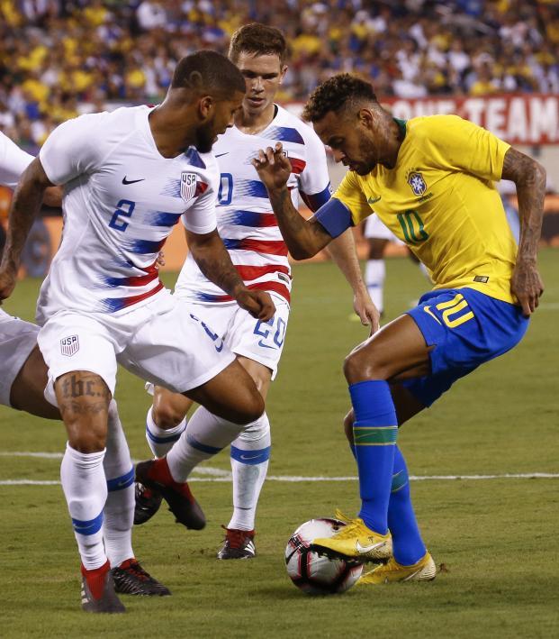 DeAndre Yedlin vs Neymar