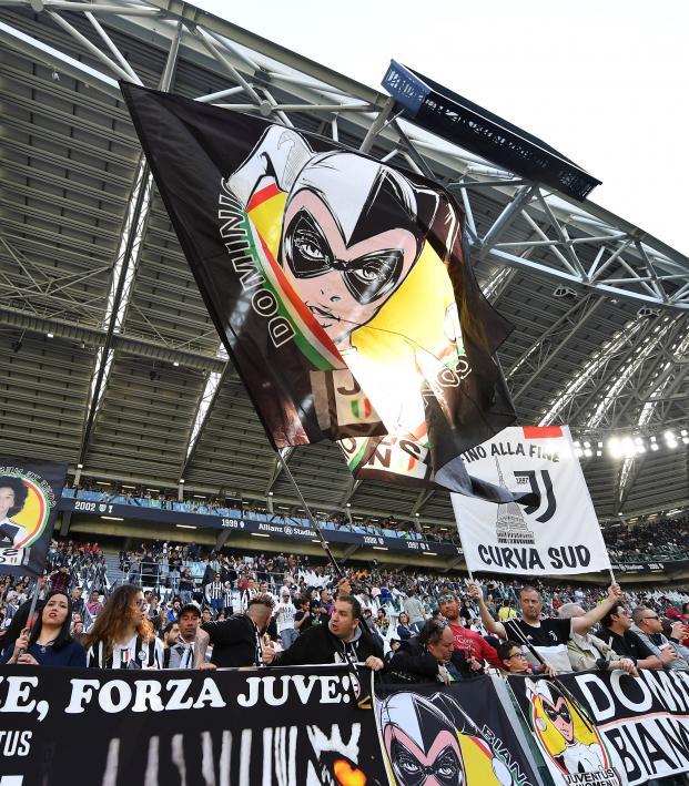 Italy women's attendance record