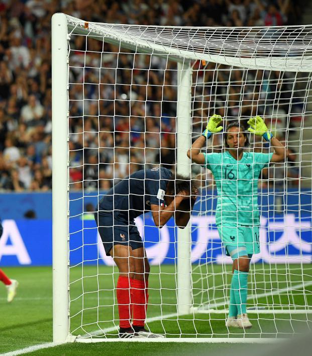 Wendie Renard own goal