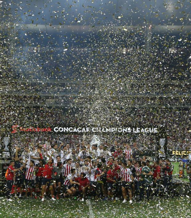 Chivas celebra el campeonato de la Campeones de la Concacaf