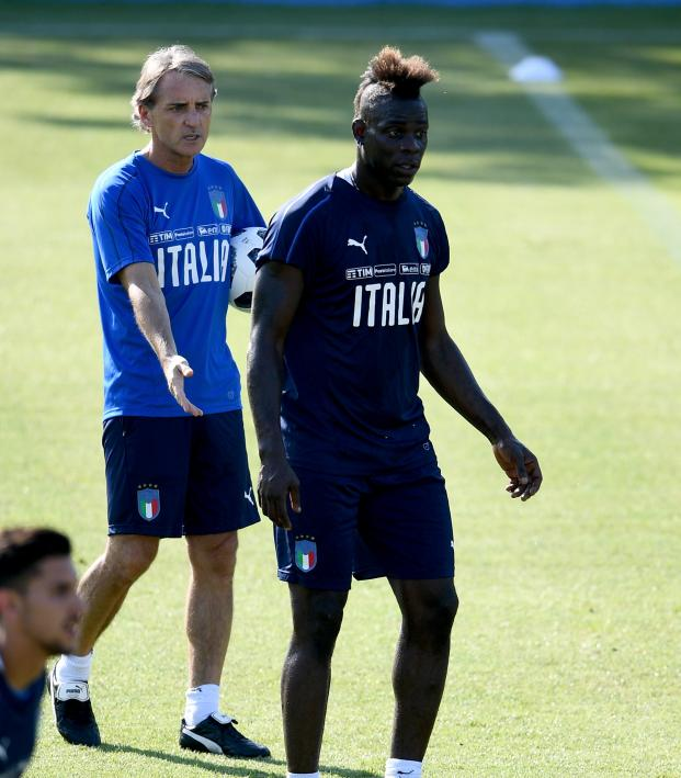 Roberto Mancini tactics