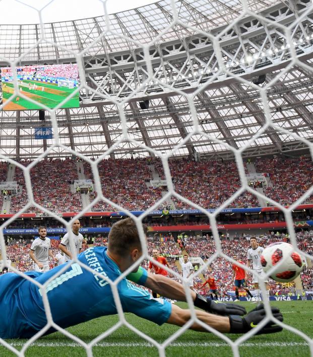 Igor Akinfeev penalty save vs Spain