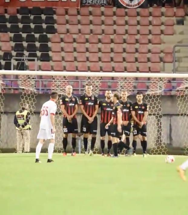 Defensive free kick wall