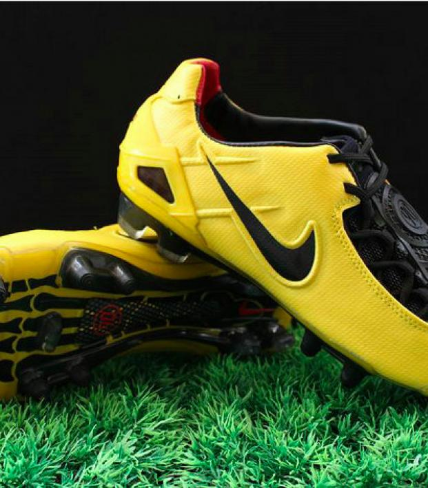 Nike Is Remaking The Greatest Boot Of All Time: Total 90 Laser I