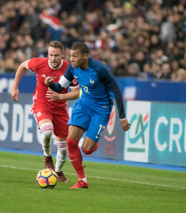 How Fast Is Kylian Mbappe The Numbers Behind His Pace