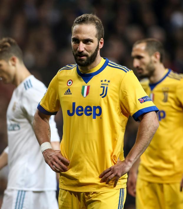 Gonzalo Higuain transfer to AC Milan