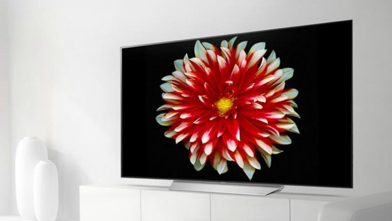 World Cup Gift: LG C7 OLED TV