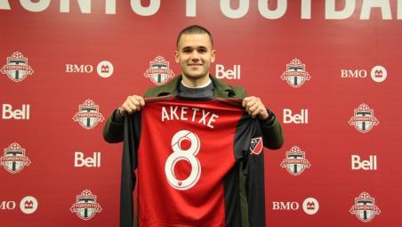 Toronto FC signing
