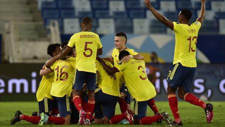 Edwin Cardona Goal vs Ecuador