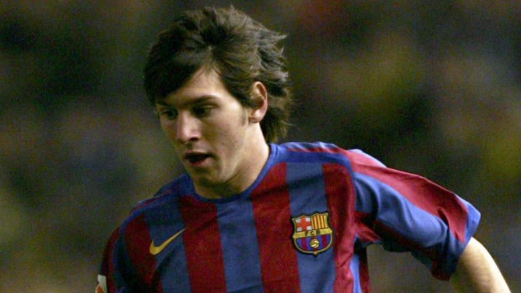 Messi Photos - First team debut