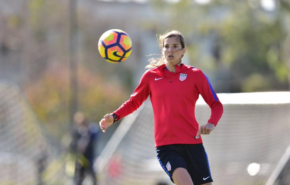 Tobin Heath trains with USWNT for upcoming season