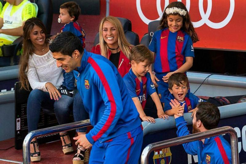 Messi's kids act extremely happy to see him