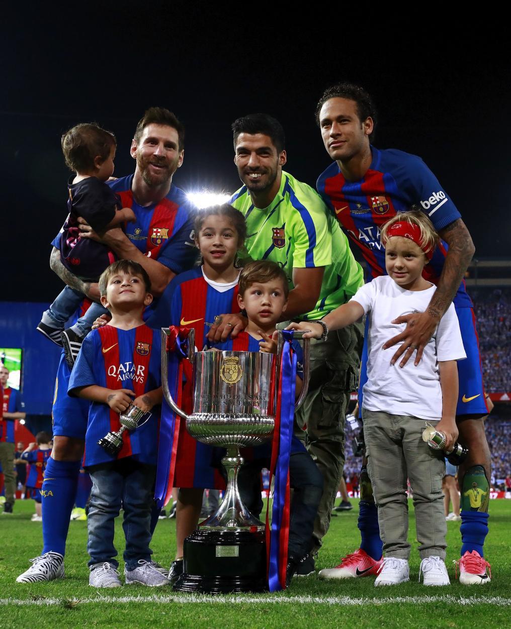 Messi, Suarez, Neymar, and their kids