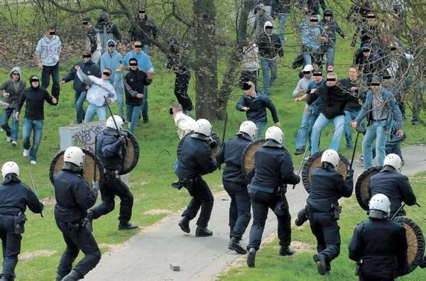 Ultras and Police Clash in the Netherlands