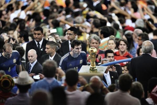 Sad World Cup photos - Lionel Messi