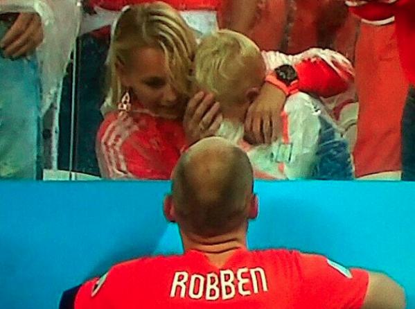 Sad World Cup photos - Arjen Robben's son