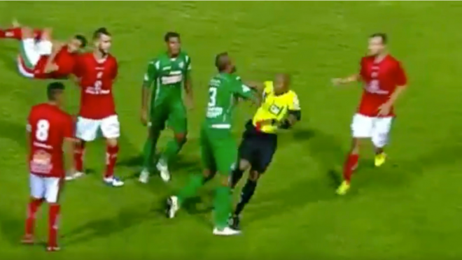 Brazilian player fights after red card