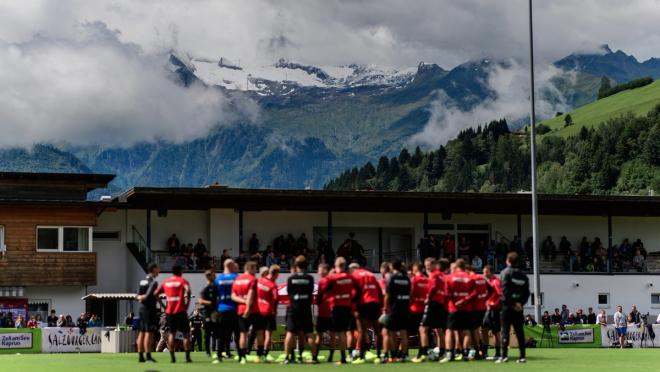Bayern Leverkusen Training In Austria