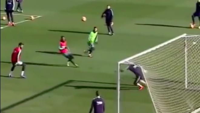 Messi training goal