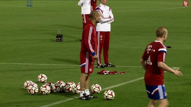 pep-guardiola-training-session-positive-reinforcement-i-love-you