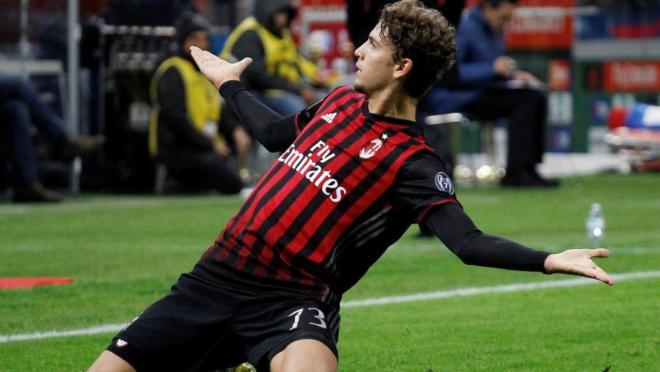 AC Milan's Manuel Locatelli