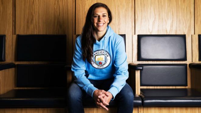 Carli Lloyd joins Manchester City.