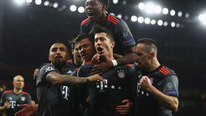 Lewandowski converts a penalty against Real Madrid