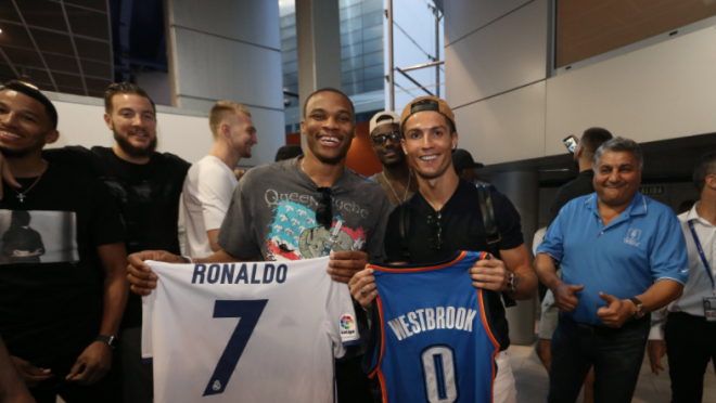 Russel Westbrook (left) with Cristiano Ronaldo (right)