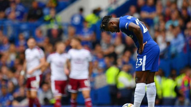 Burnley defeat Chelsea 3-2.