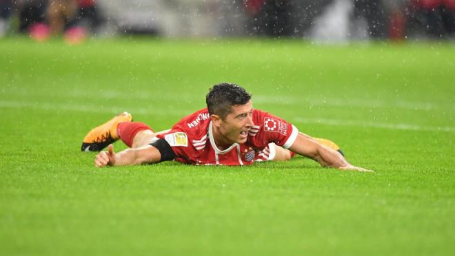 VAR spots a penalty for Bayern Munich.