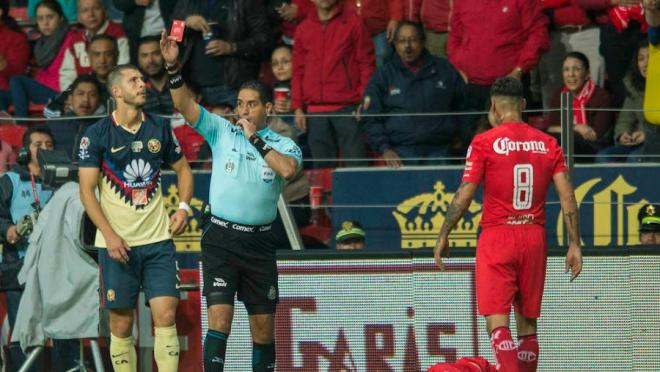 Rubens Sambueza kicked in the face