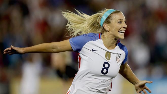 Julie Ertz goal scoring