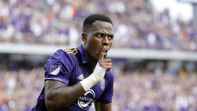 Cyle Larin transfer